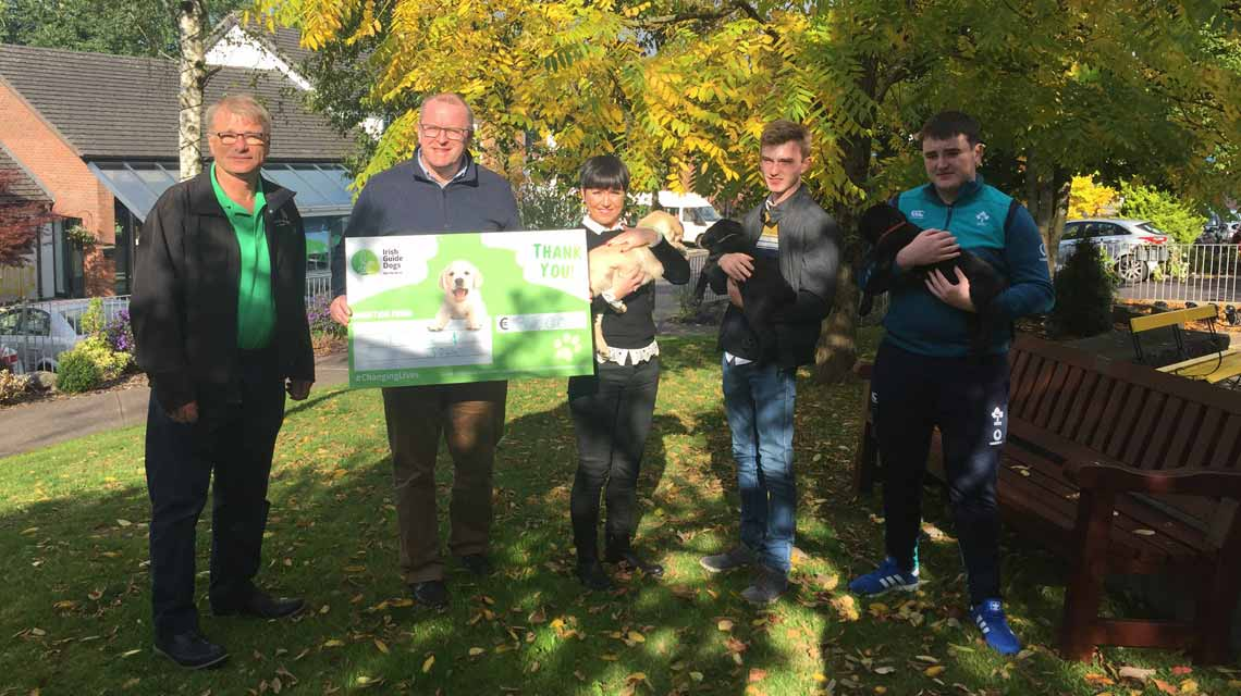 Irish Guide Dogs for the Bling. Rosie meets the pupplies and presents the cheque for €15,000